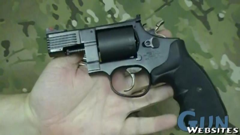 La prima vedere nu pare nimic special la PISTOLUL ăsta... asta până când nu încarcă gloanţele în el! Stai să vezi cu câte tipuri de MUNITIE poate trage acest pistol... WOW