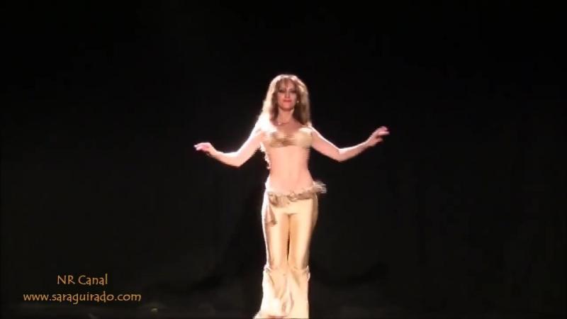 Arabii o îmbracă în BANI pe unde o prind datorită mişcărilor ei fermecătoare, iar când ai să o vezi cum dansează din BURIC... te vei minuna de talentul ei senzual!