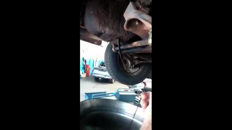 Tu ce ulei folosesti pentru masina ta ? Iata ce se poate intampla daca nu urmezi sfaturile producatorului. Uleiul s-a transformat in SMOALA .