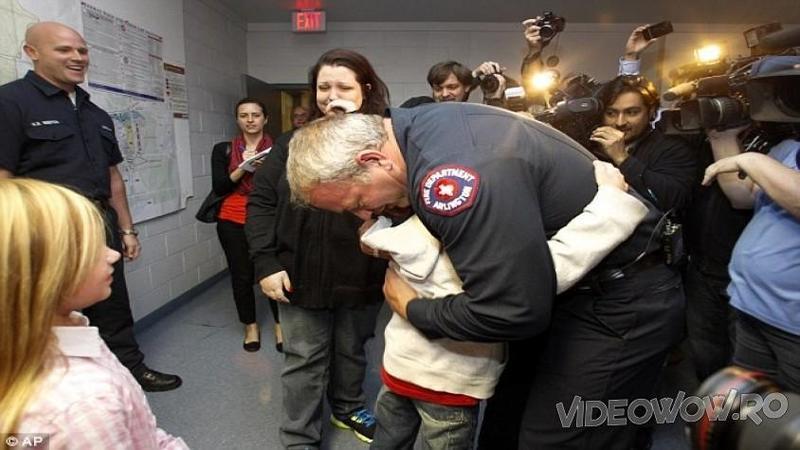 In urmă cu 26 de ani un DOCTOR salvează viaţa unui băieţel născut prematur - Cum i-a întors favorul după atâta timp copilaşul... mi-au dat lacrimile de emoţie şi fericire!