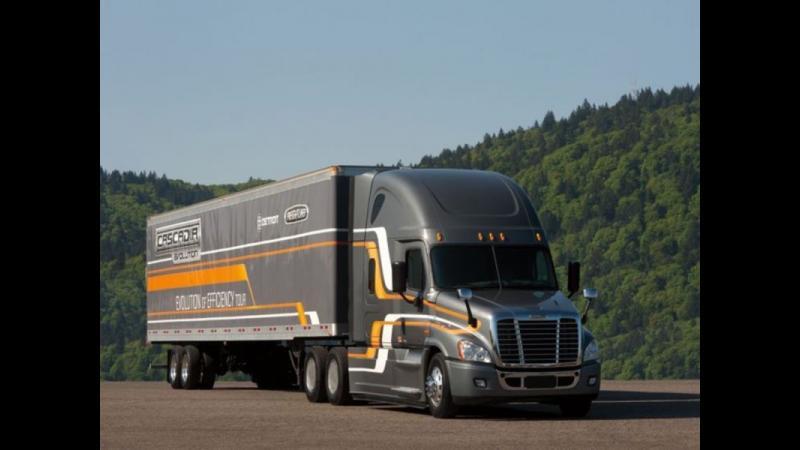 Este cel mai eficient camion din SUA. CASCADIA FREIGHTLINER 2018 este cu 8% mai eficient la consum fata de predecesorul sau CASCADIA FREIGHTLINER 2016.