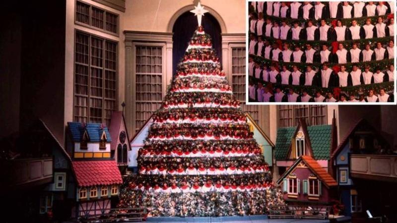 Este cel mai înalt POM de Crăciun din lume, dar şi cel mai spectaculos: Când ai să vezi ce secrete ascunde... vei rămâne cu gura căscată la cât de minunat este! Te va încânta cu splendoarea lui... vie şi animată!