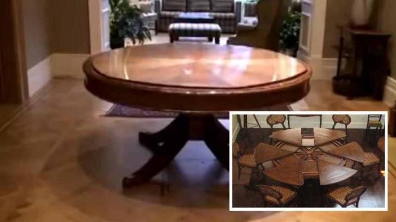 Pare o masă normală pentru sufragerie... dar când începe să se mişte fără ca nimeni să o atingă... WOW, nu îţi va vine să crezi în ce se transformă! Genial
