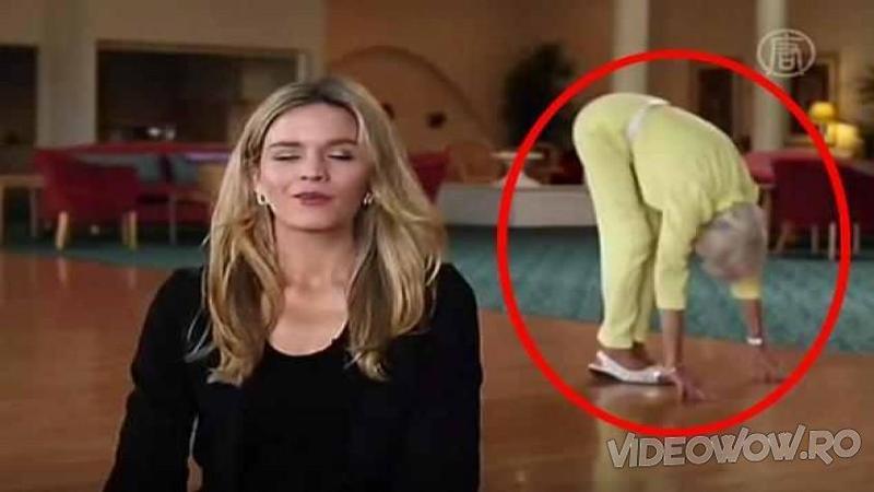 Cameramanul o filma pe prezentatoare când deodată ceva straniu se întâmplă în spatele ei! După nici câteva secunde toţi au rămas cu gura căscată când au văzut ce face bunicuţa... WOW