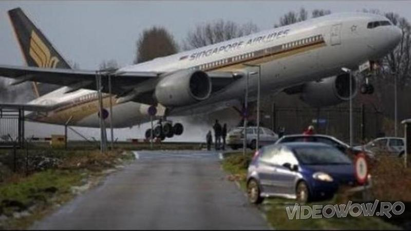 Sunt cele mai inspaimantatoare si periculoase AEROPORTURI din lume unde avioanele sunt mereu aproape de DEZASTRU la fiecare aterizare si decolare! Iata ce inseamna sa te afli intr-un asemenea loc... WOW