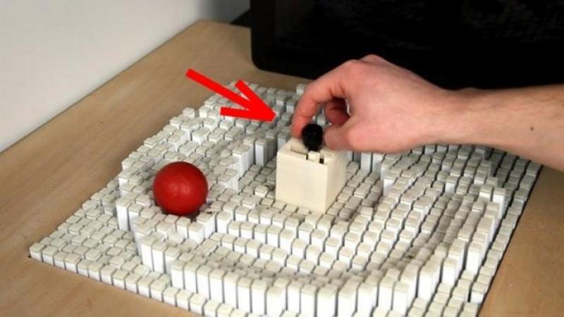 Este pur şi simplu INCREDIBIL ce au inventat aceşti ingineri: Masa care manipulează obiectele exact cum vrei tu! O tehnologie care îţi va capta imaginaţia negreşit