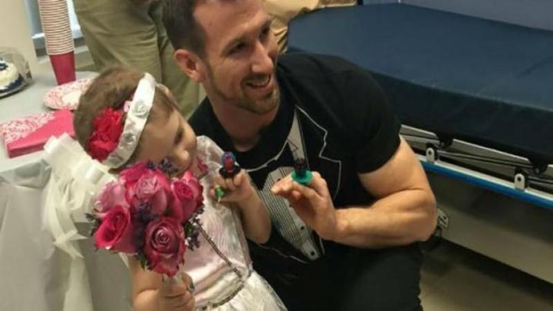 Are doar 4 ani şi este bolnavă de CANCER: După ce Dumnezeu a puso la grele încercări această fetiţă chinuită de boală are o singură şi mare dorinţă... de a se ?mărita? cu ASISTENTUL ei care are grijă de ea în fiecare zi!