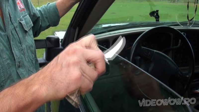Apropie lama CUTITULUI de marginea de la GEAMUL maşini: Ce se întâmplă după câteva secunde cu cuţitul vechi... WOW, nu credeam că este posibil una ca asta!