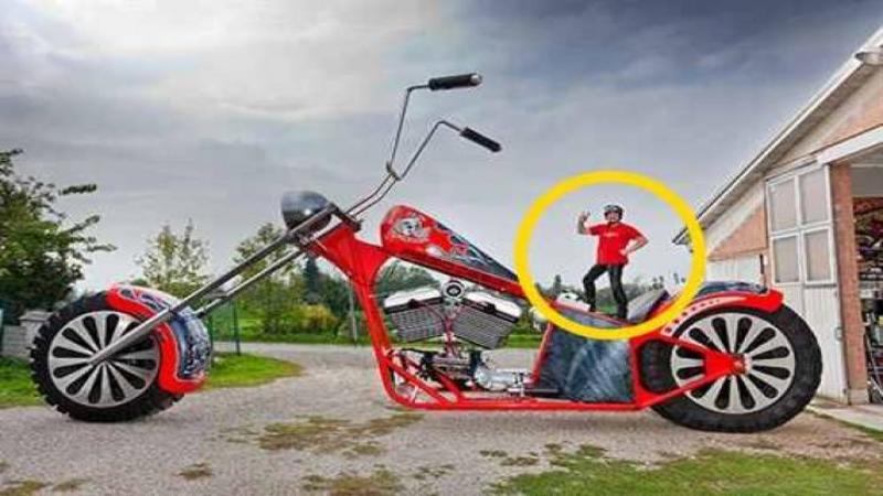 Este cea mai mare MOTOCICLETA din lume, iar modul în care se conduce este nebunie curată! Iată cum este să te plimbi cu cea mai bizară şi inedită motocicletă din lume... WOW