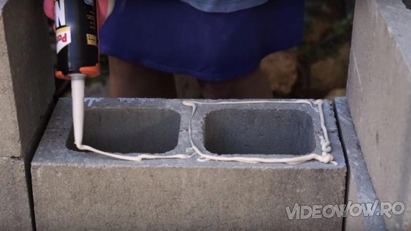 Aplică SILICON pe un bolţar din ciment: Ce crează după câteva minute de muncă este o adevărată splendoare pentru curtea ta! O idee minunată de făcut primăvara