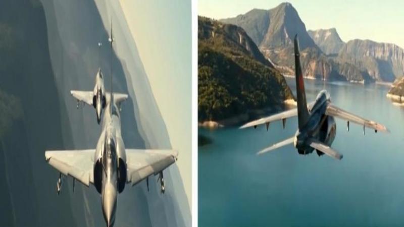 Sunt adevaraţii CAVALERI ai cerului şi este o minunăţie să îi vezi pilotând asemenea AVIOANE fantastice!