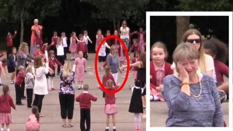 După 25 de ani de muncă, această femeie decide să se PENSIONEZE, dar ce fac copii pentru iubita lor învăţătoare în ultima ei zi la catedră te va lăsa în lacrimi! O surpriză neaşteptată foarte frumoasă