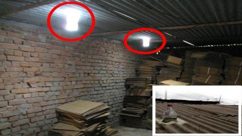 Au adus lumină în casa lor cu ajutorul unui BIDON din plastic umplut cu APA!! Nu îţi vine să crezi cât de uşor poţi crea o sursă de lumină naturală pentru CASA ta... Incredibilă descoperire
