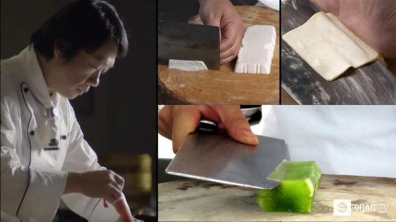 Te crezi vreun BUCATAR desăvârşit? Aşa am avut şi eu impresia despre mine, dar după ce am văzut acest video... mi-am schimbat părerea complet! Iată-i pe cei mai fenomenali şi îndemânatici bucătari din lume... WOW