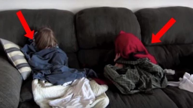 Aceşti copii s-au ascuns sub pături datorită unui MOTIV care te va surprinde negreşit! Ce s-a întâmplat când aceştia au fost descoperiţi... Dumnezeule ce nenorocire...