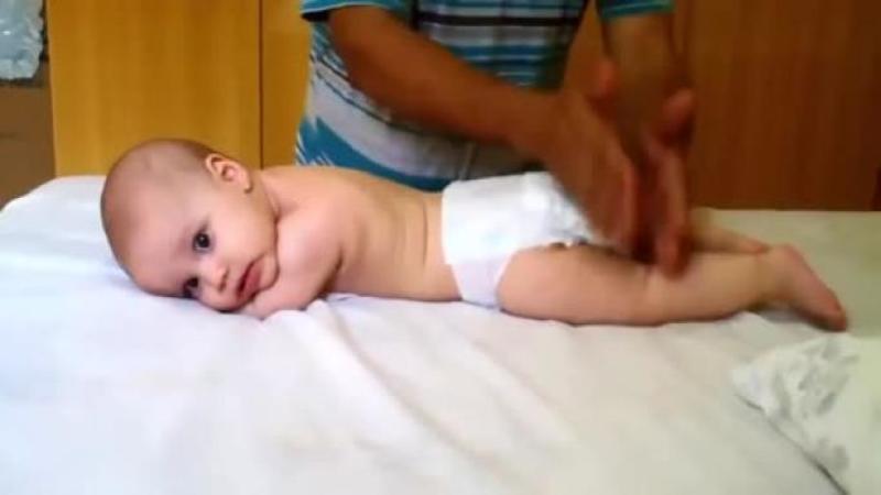Tehnica de MASAJ pe care bebeluşul tău o va adora din prima! Invaţă şi tu cum să o practici, este simplă şi foarte benefică, iar micuţul tău va fi întotdeauna fericit după o asemenea şedinţă!