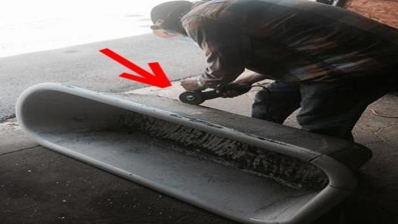 Incepe şi TAIE o cadă de BAIE veche şi murdară chiar în acel loc... când am văzut în ce o transformă nu mi-a venit să cred: O piesă de MOBILIER fantastică