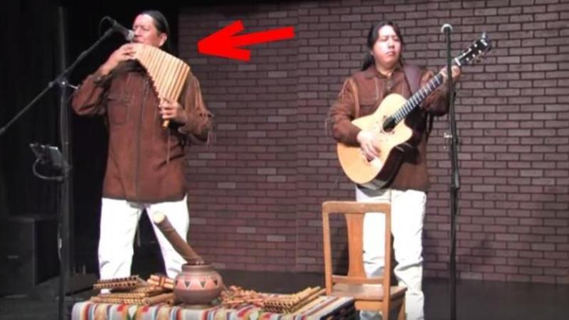 Cu NAIUL în mână şi o pasiune ieşită din comun acest om se apropie de microfon şi începe să cânte! După câteva secunde am rămas surprins de melodia care o interpreatează... Doamne cât de frumos